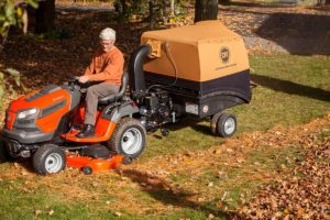 The DR Leaf and Lawn Vacuum - Leaf pick-up, DONE RIGHT